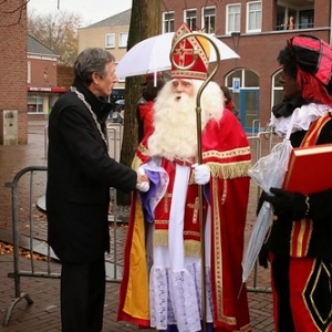 "Sint 2014 • <a style=""font-size:0.8em;"" href=""http://www.flickr.com/photos/135256382@N06/21175759431/"" target=""_blank"">View on Flickr</a>"