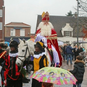 "Sint 2014 • <a style=""font-size:0.8em;"" href=""http://www.flickr.com/photos/135256382@N06/21157685832/"" target=""_blank"">View on Flickr</a>"