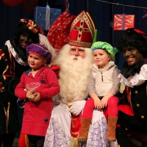 "Sint 2014 • <a style=""font-size:0.8em;"" href=""http://www.flickr.com/photos/135256382@N06/21167951515/"" target=""_blank"">View on Flickr</a>"