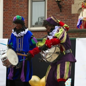 "Sint 2014 • <a style=""font-size:0.8em;"" href=""http://www.flickr.com/photos/135256382@N06/21175759741/"" target=""_blank"">View on Flickr</a>"