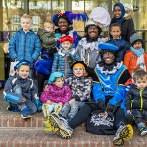"sinterklaas Asten 2017 • <a style=""font-size:0.8em;"" href=""http://www.flickr.com/photos/135256382@N06/38604438271/"" target=""_blank"">View on Flickr</a>"