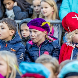 "sinterklaas Asten 2017 • <a style=""font-size:0.8em;"" href=""http://www.flickr.com/photos/135256382@N06/37887257524/"" target=""_blank"">View on Flickr</a>"