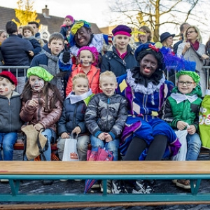 "sinterklaas Asten 2017 • <a style=""font-size:0.8em;"" href=""http://www.flickr.com/photos/135256382@N06/26827637769/"" target=""_blank"">View on Flickr</a>"