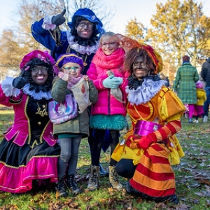 "Intocht Sinterklaas Asten 2018 (47) • <a style=""font-size:0.8em;"" href=""http://www.flickr.com/photos/135256382@N06/32102357318/"" target=""_blank"">View on Flickr</a>"