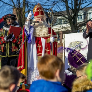 "Intocht Sinterklaas Asten 2018 • <a style=""font-size:0.8em;"" href=""http://www.flickr.com/photos/135256382@N06/45924000232/"" target=""_blank"">View on Flickr</a>"