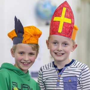 "creamiddag  Sinterklaas Bonifatius school 2016 • <a style=""font-size:0.8em;"" href=""http://www.flickr.com/photos/135256382@N06/30936280835/"" target=""_blank"">View on Flickr</a>"