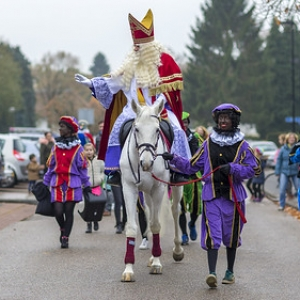 "Sinterklaas in Asten 2016 • <a style=""font-size:0.8em;"" href=""http://www.flickr.com/photos/135256382@N06/25350584009/"" target=""_blank"">View on Flickr</a>"