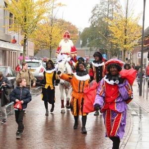 "Sint 2014 • <a style=""font-size:0.8em;"" href=""http://www.flickr.com/photos/135256382@N06/20546828413/"" target=""_blank"">View on Flickr</a>"