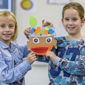 "creamiddag  Sinterklaas Bonifatius school 2016 • <a style=""font-size:0.8em;"" href=""http://www.flickr.com/photos/135256382@N06/30900173586/"" target=""_blank"">View on Flickr</a>"