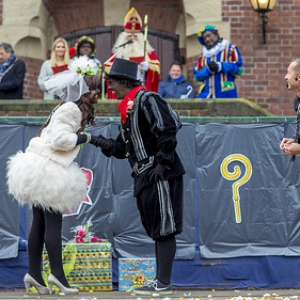 "Sinterklaas in Asten 2016 • <a style=""font-size:0.8em;"" href=""http://www.flickr.com/photos/135256382@N06/25350617799/"" target=""_blank"">View on Flickr</a>"